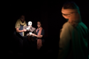 actors and puppet